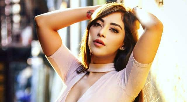 apache-indian-and-rafta-received-their-punjabi-girl-in-angela-krislinki