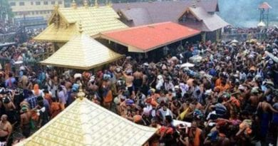 supreme-court-stops-ban-on-women-in-sabarimala-temple