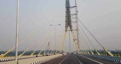 two-bike-riders-die-while-taking-selfie-on-the-signature-bridge-of-delhi
