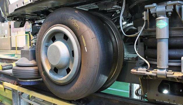 टायर वाली मेट्रो ट्रेन