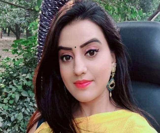 Akshara Singh Biography Hindi